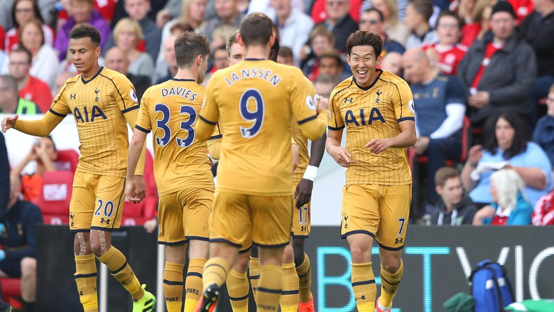 Tottenham Kunci Posisi Dua Liga Inggris