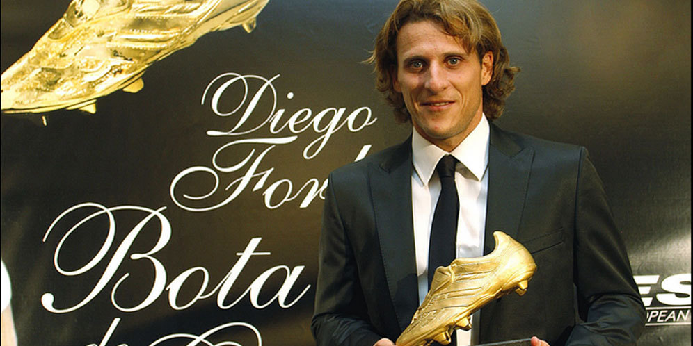 Diego Forlan Unggulkan Liverpool Juara