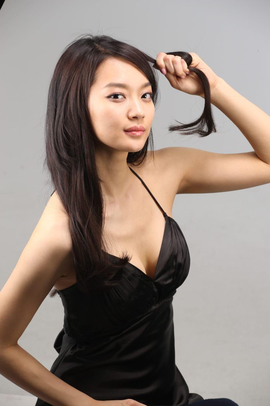 Shin Min Ah, Aktris Korea Seksi Paling Cantik
