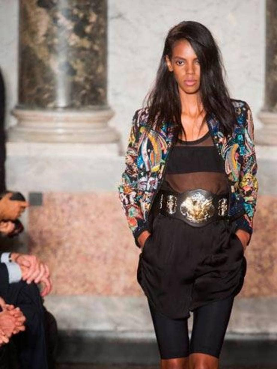Leomie Anderson Model Hot Penentang Rasisme Dalam Dunia Modelling