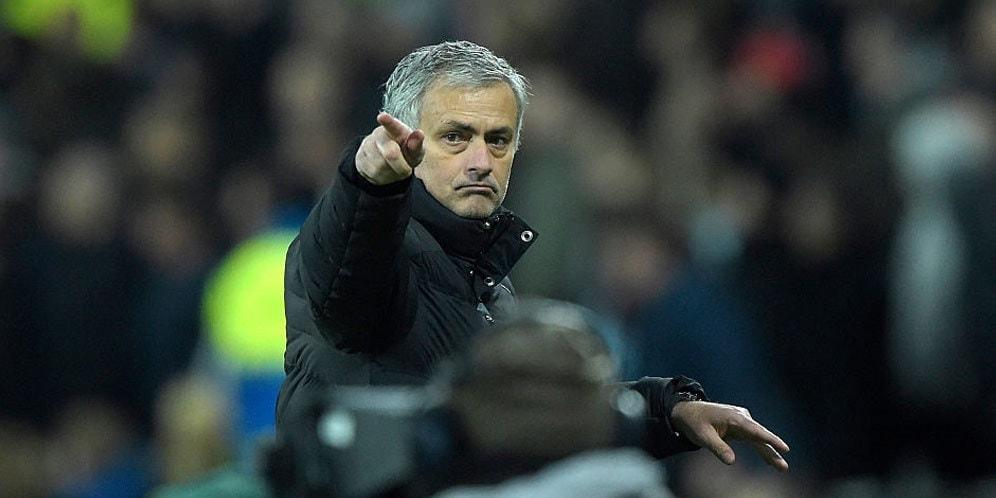 Mourinho Sindir Van Gaal Tentang De Gea